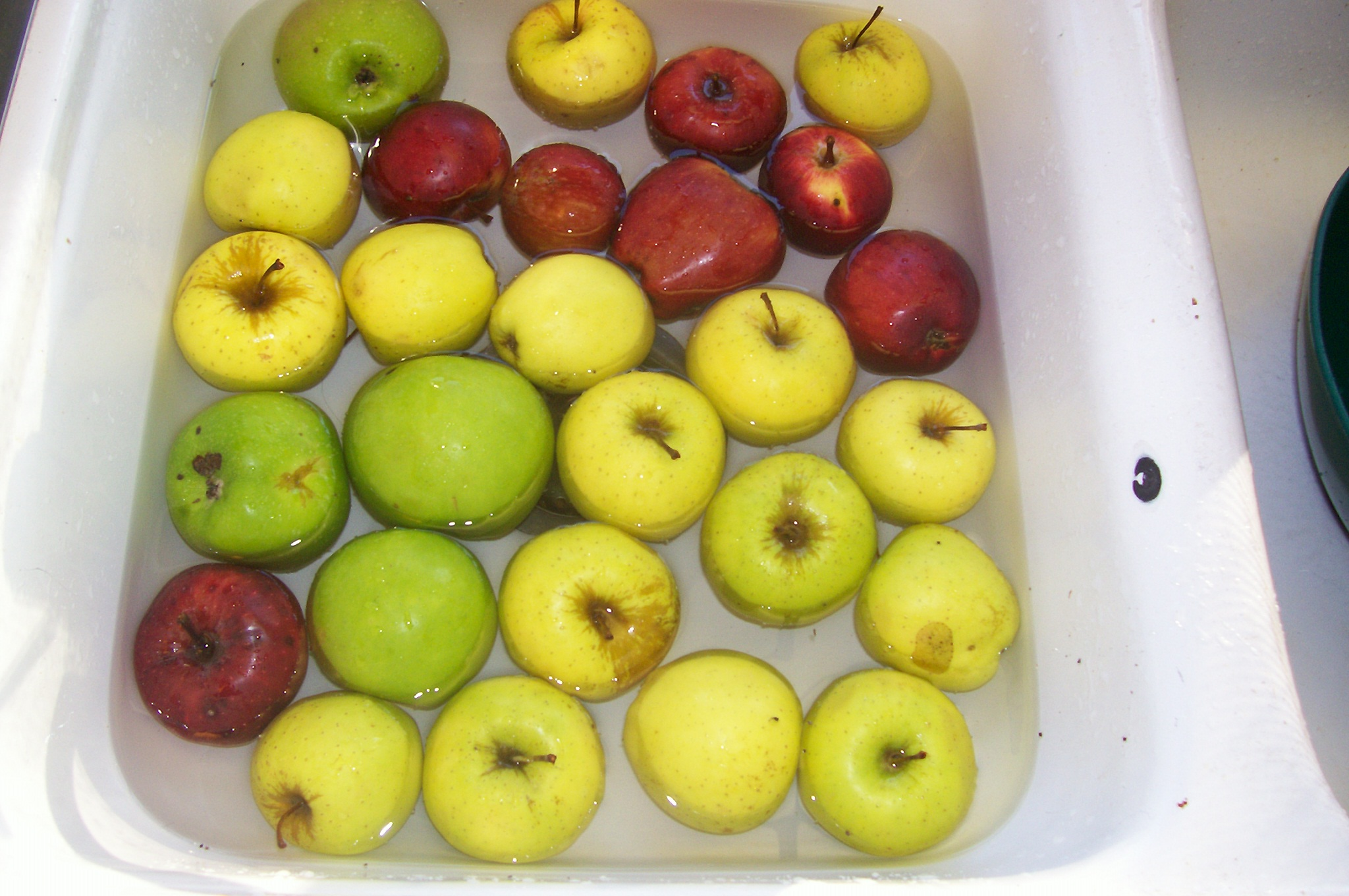 Picture of Wash Your Apples