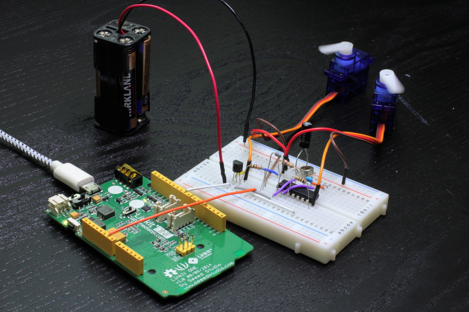 Picture of Servo Reverser and LinkIt One