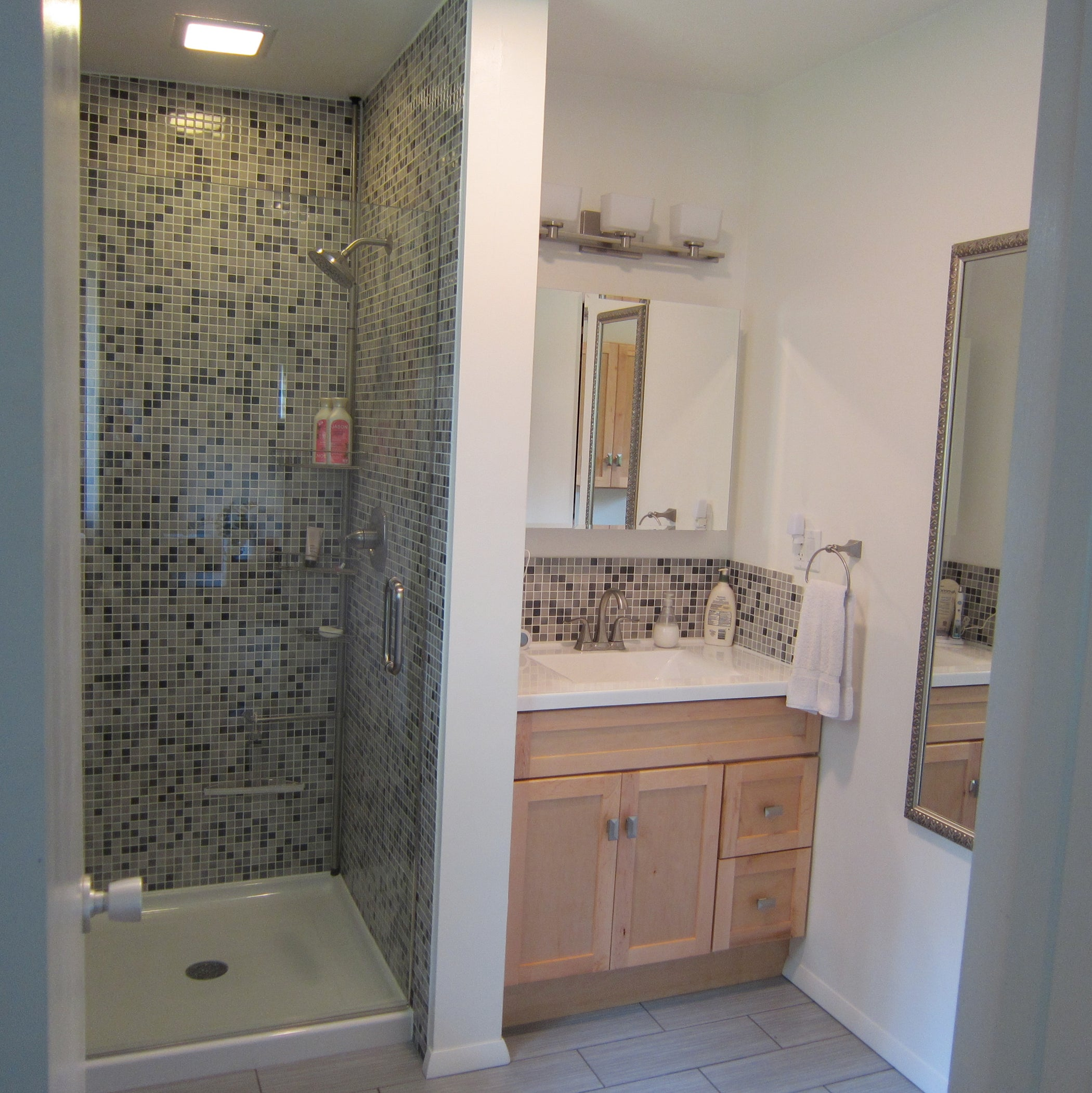 Complete Bathroom Renovation : 12 Steps (with Pictures ...