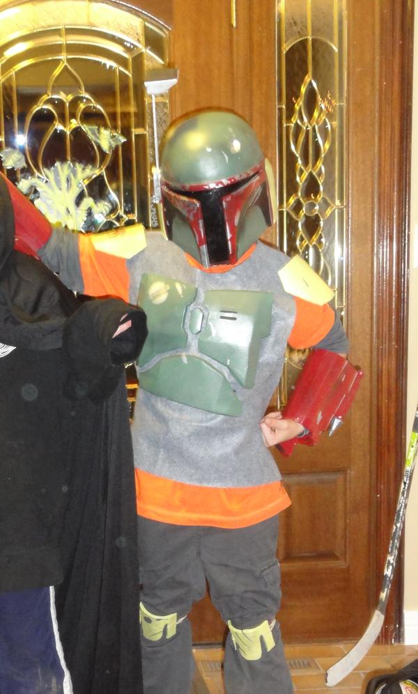 Build Child-sized Boba Fett Armour Using the Pepakura Method
