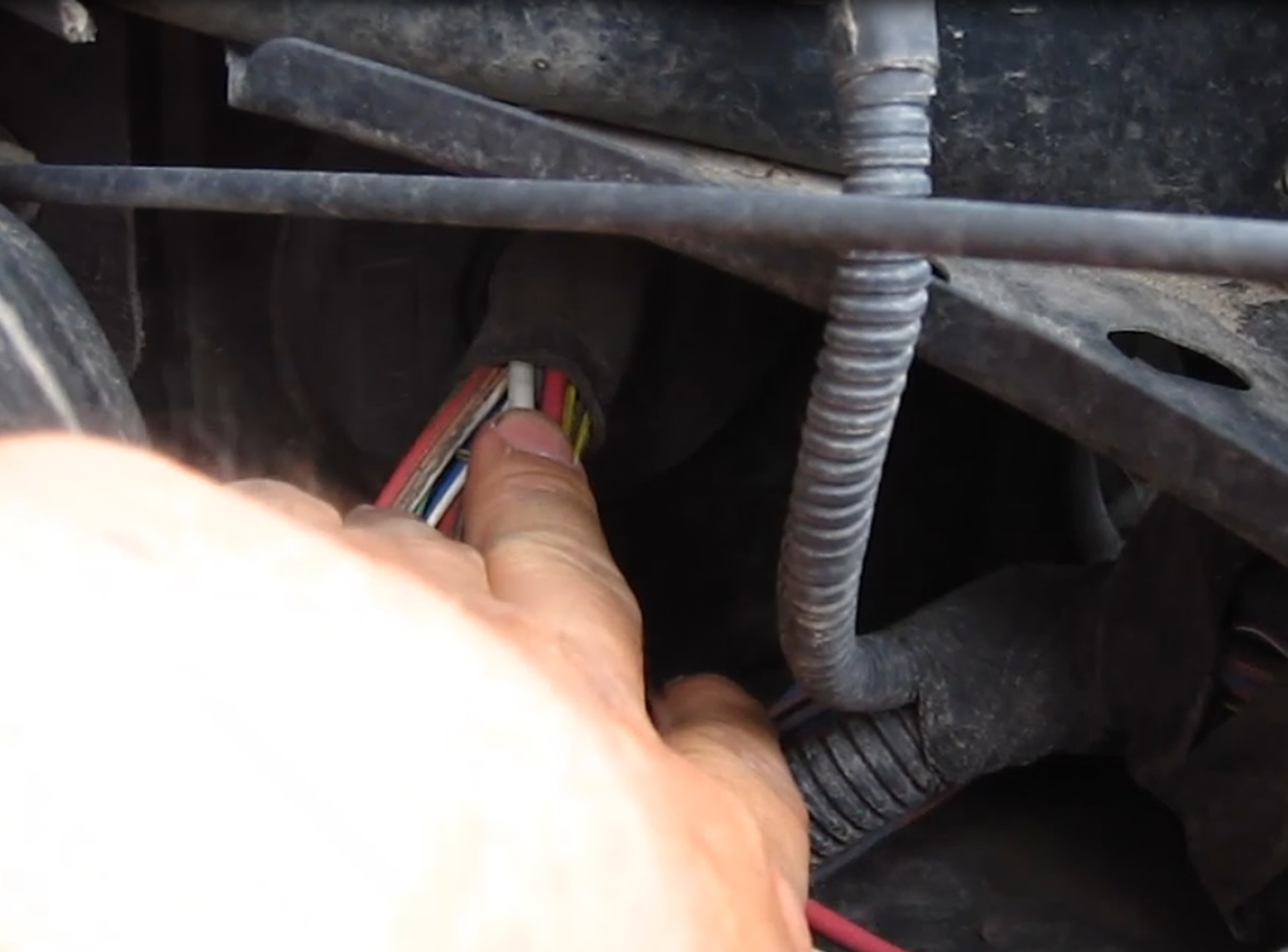 Picture of Wiring to the Battery and Hiding the Inverter