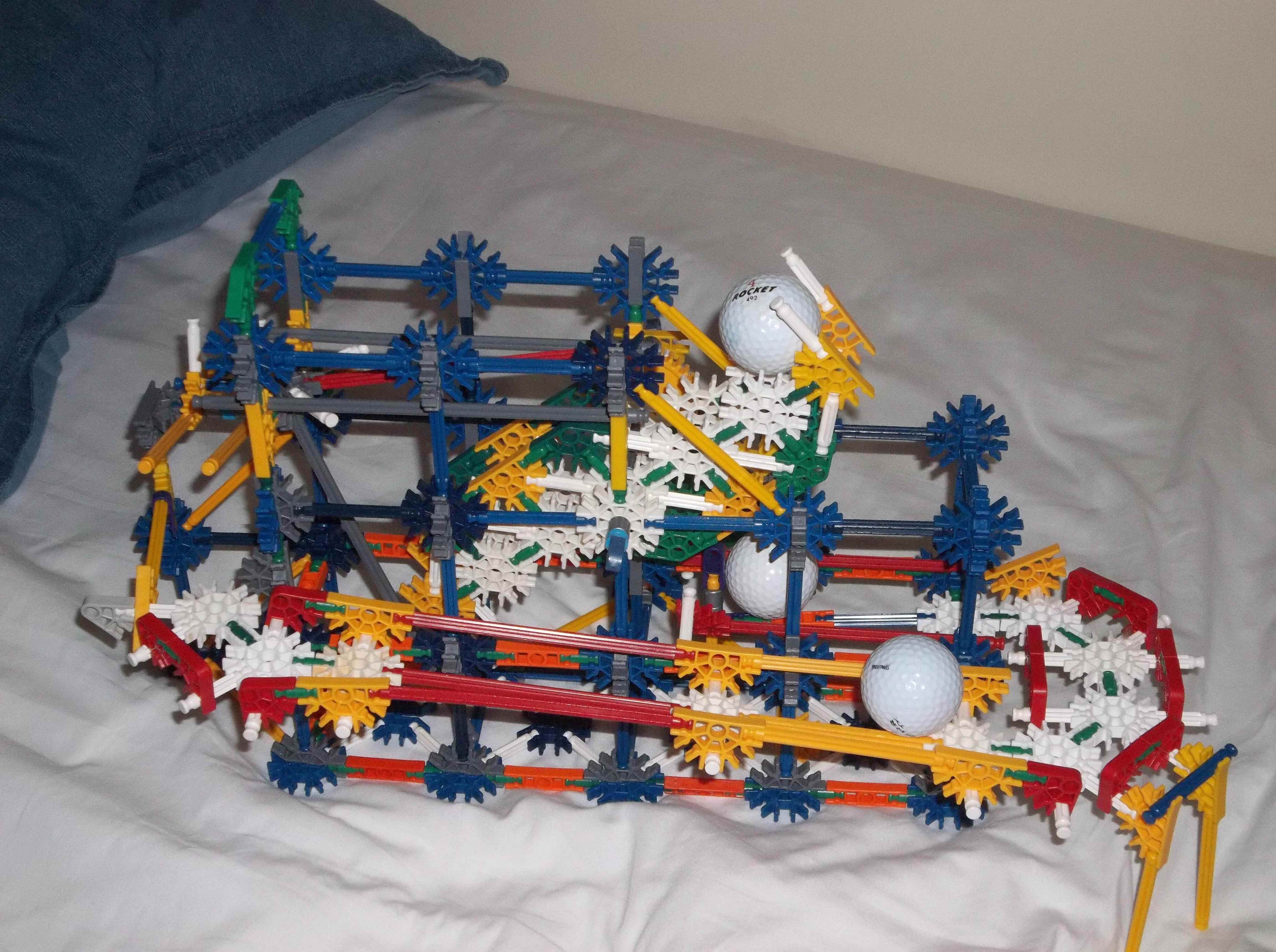 Picture of Project Pointless- Tiny Knex Ball Machine