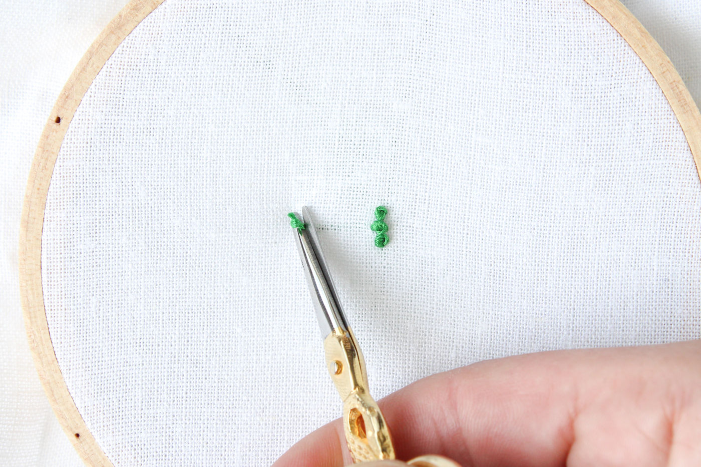 Starting by Using Waste Knots on French Knots and Seed Stitches