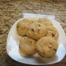 Easy and Delicious Chocolate Chip Cookies-Video