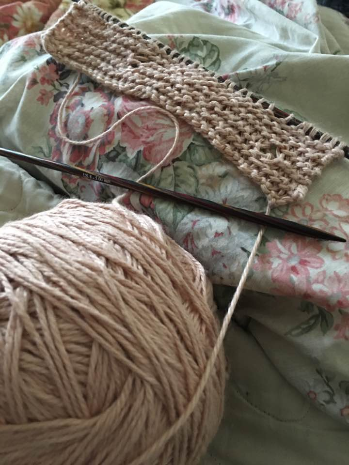 Picture of Naturally Dye Yarn With Avocado and Knit a Simple Scarf