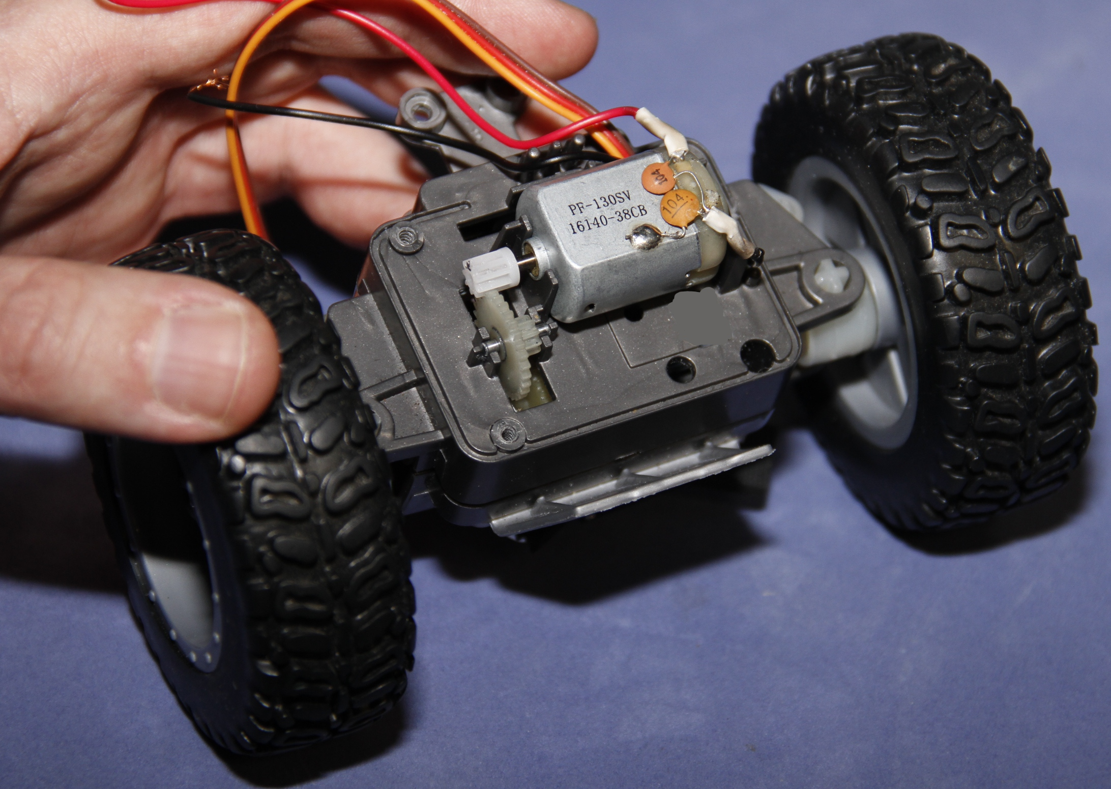 Picture of Disassembling the Front Axle - Middle Section - Motor Mounted