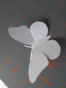 Simple White Pattern on Metal Weighted Mount