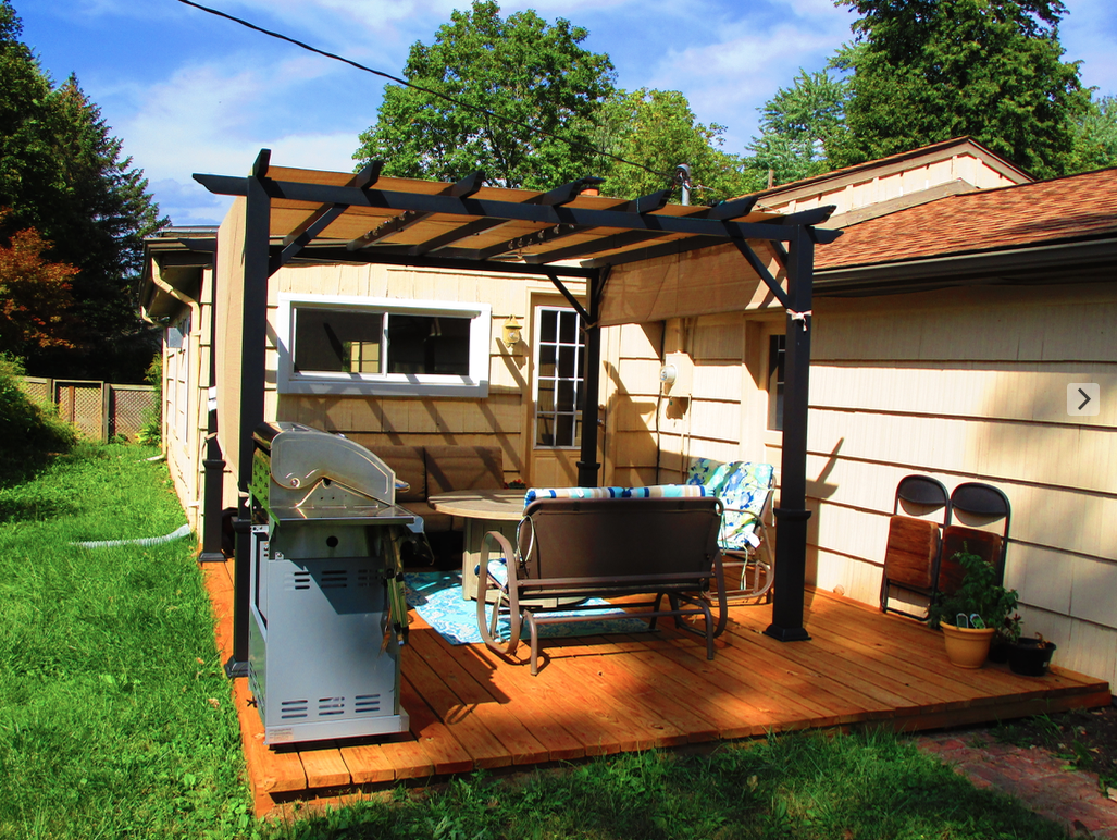 Picture of DIY Floating Deck