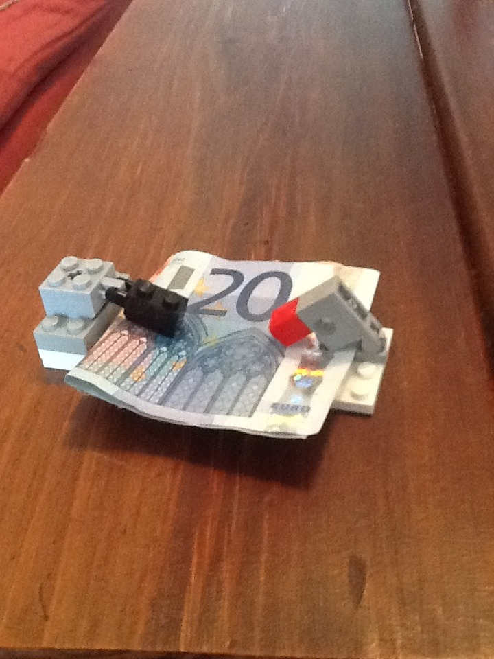Picture of Lego Money Clip