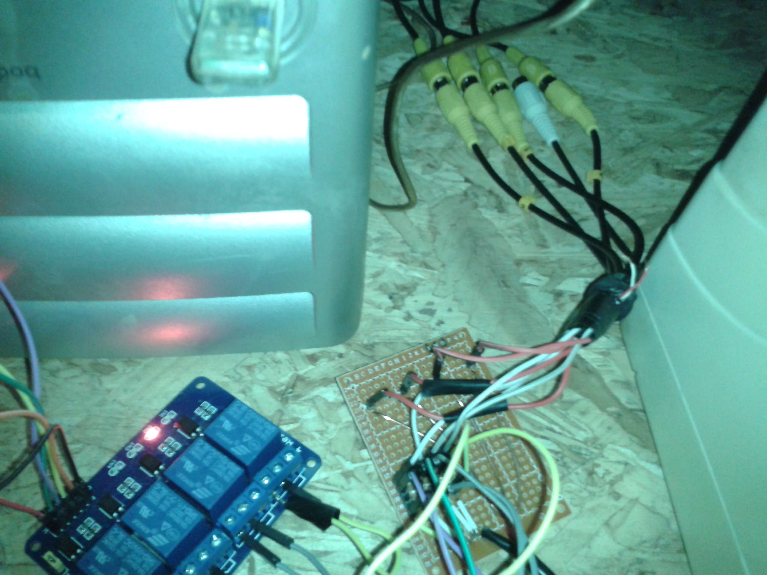 Picture of Arduino - Convert a 1 Channel Monitor to a 4 Channel Monitor With Access Code