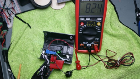 Setting the Battery Charger Voltage and Current Limits-