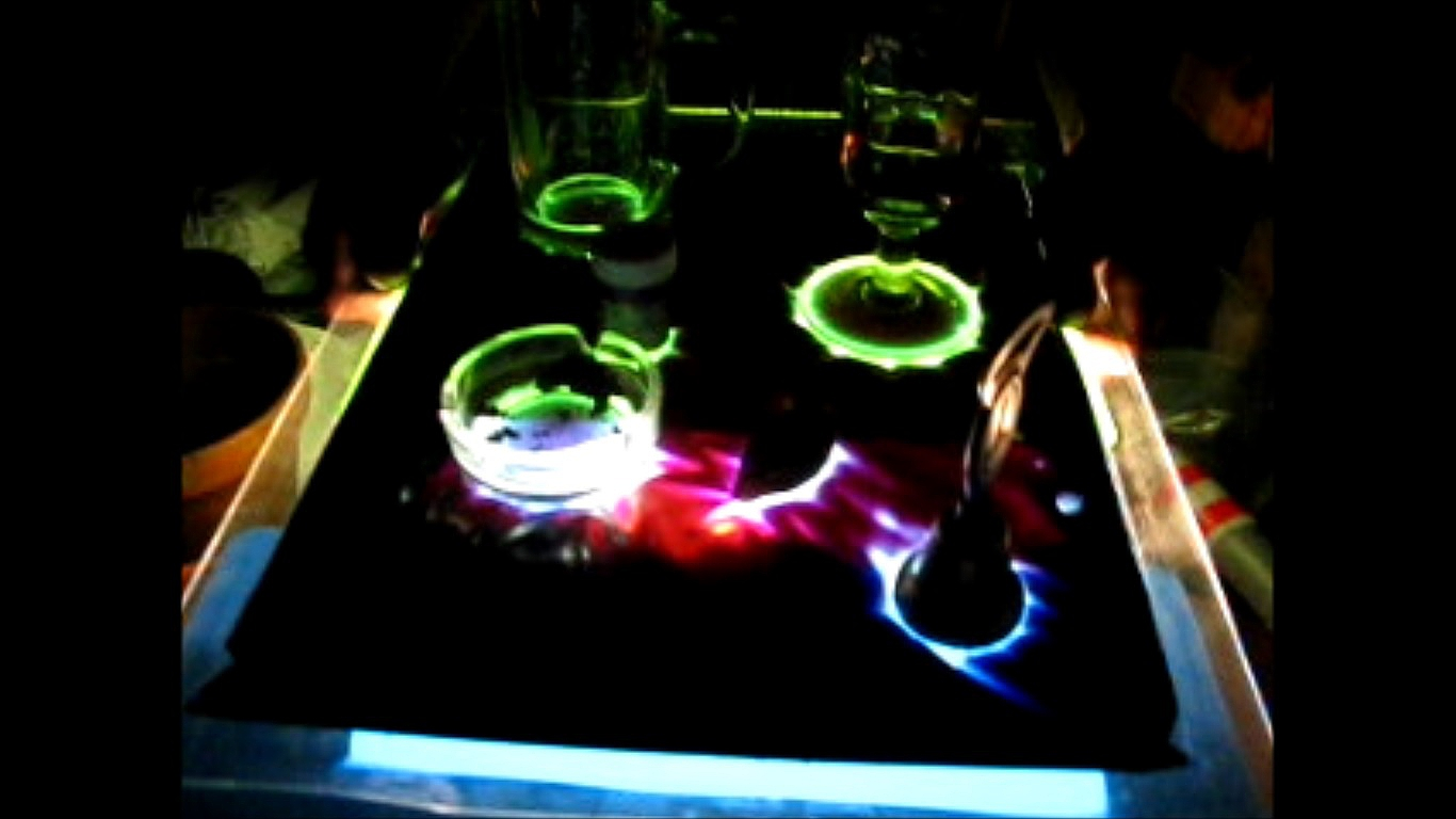 Picture of Make Liquid Light Table in 10 Minutes!