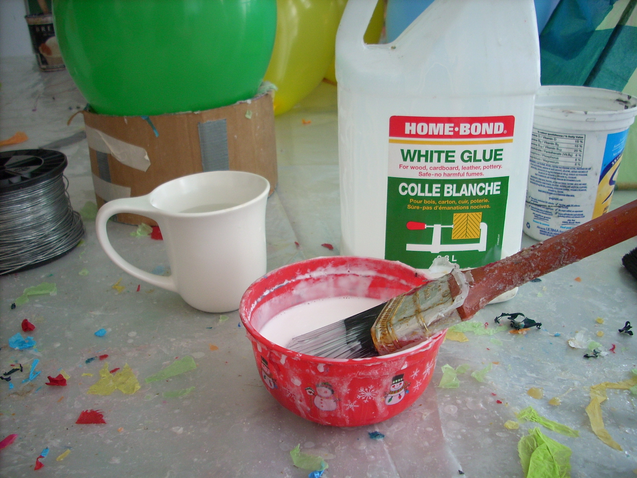Picture of Mixing the Glue