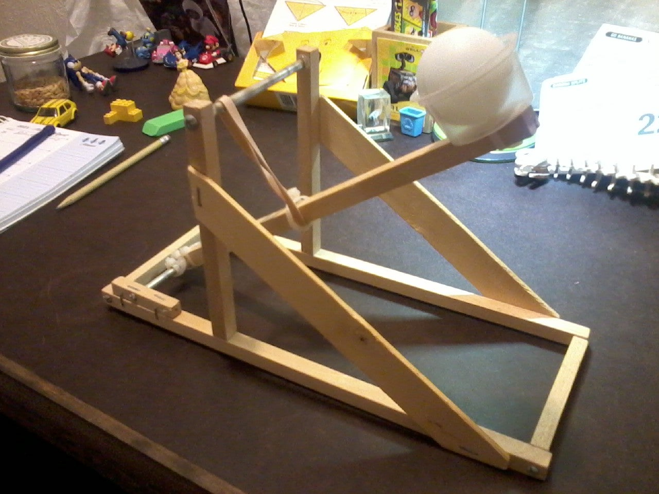 Ping Pong Ball Catapult 4 Steps
