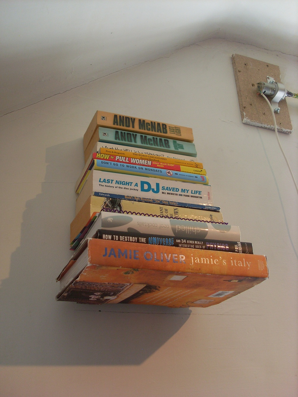 Picture of Invisible 'floating' Bookshelf