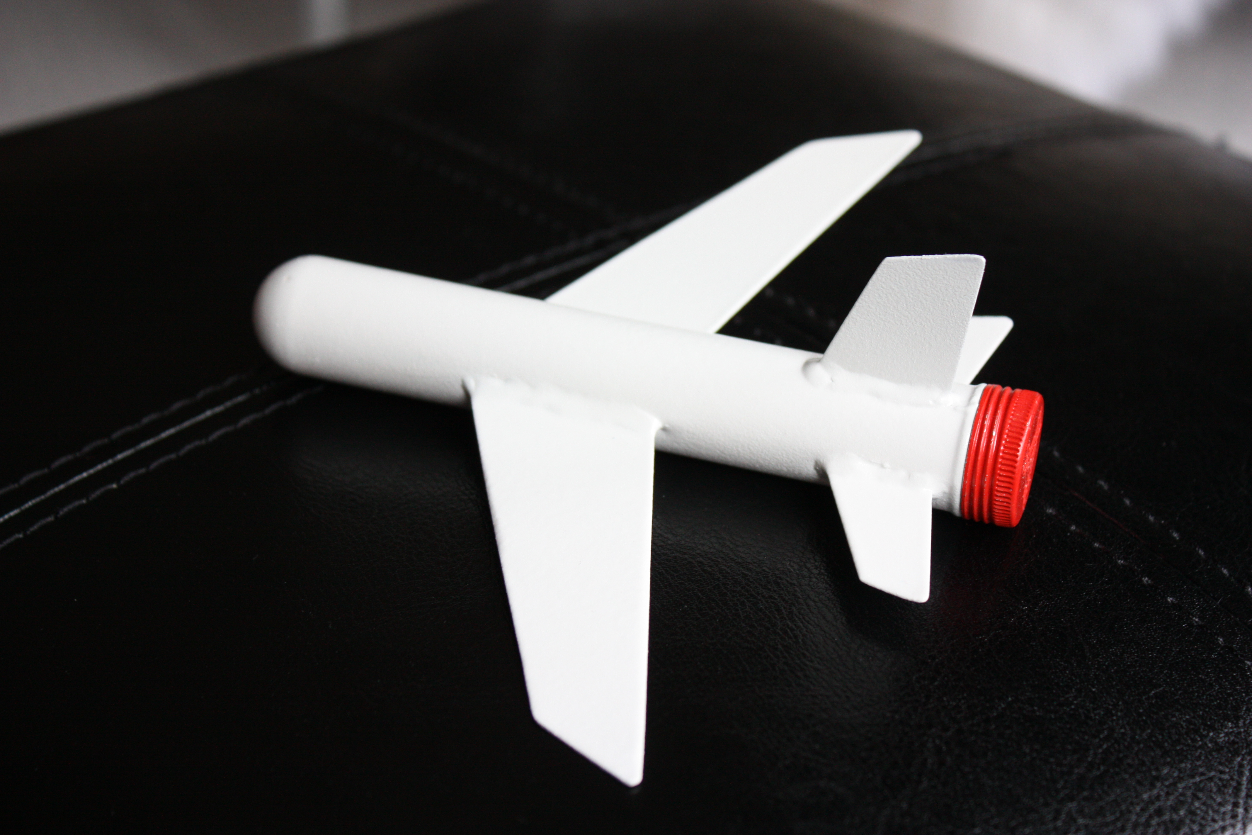 Picture of How to Make an Airplane Ornament Using a Cigar Tube