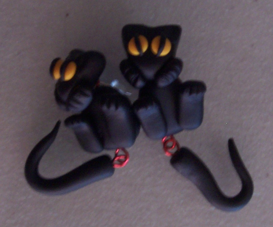Picture of Hanging Around Kitty Cat Earrings