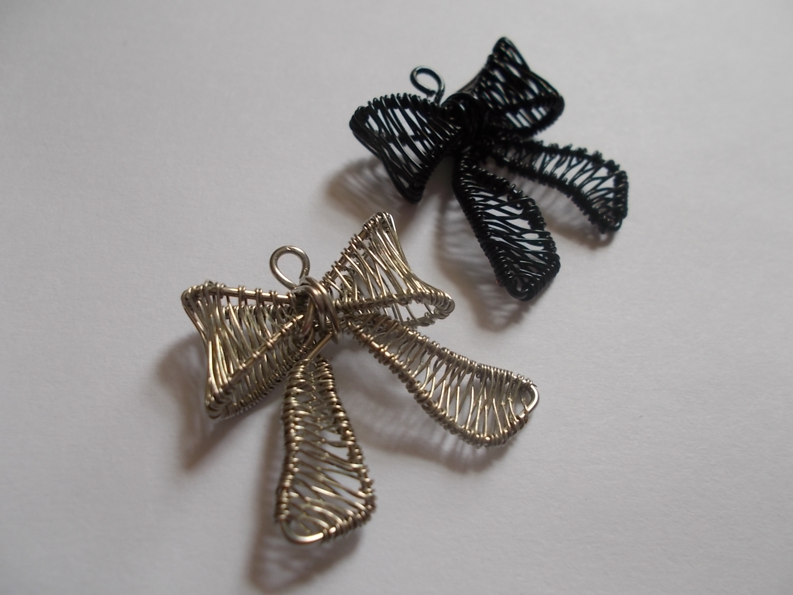 Picture of Woven Bow Charm