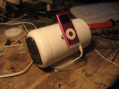 Portable Speakers Using an Old Tobbaco Tin/tub
