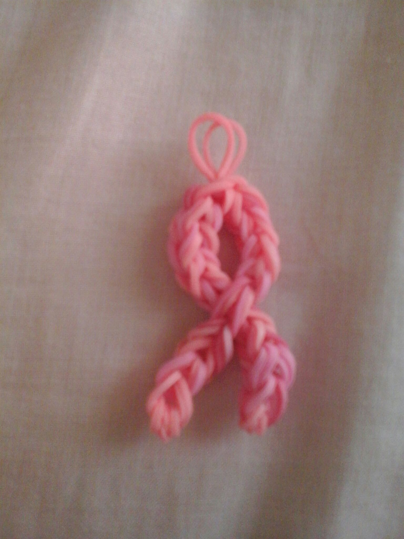 Picture of Pink Cancer Ribbon -loomless-