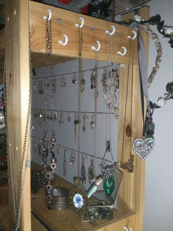 Easy Jewellery Display and Organsier.