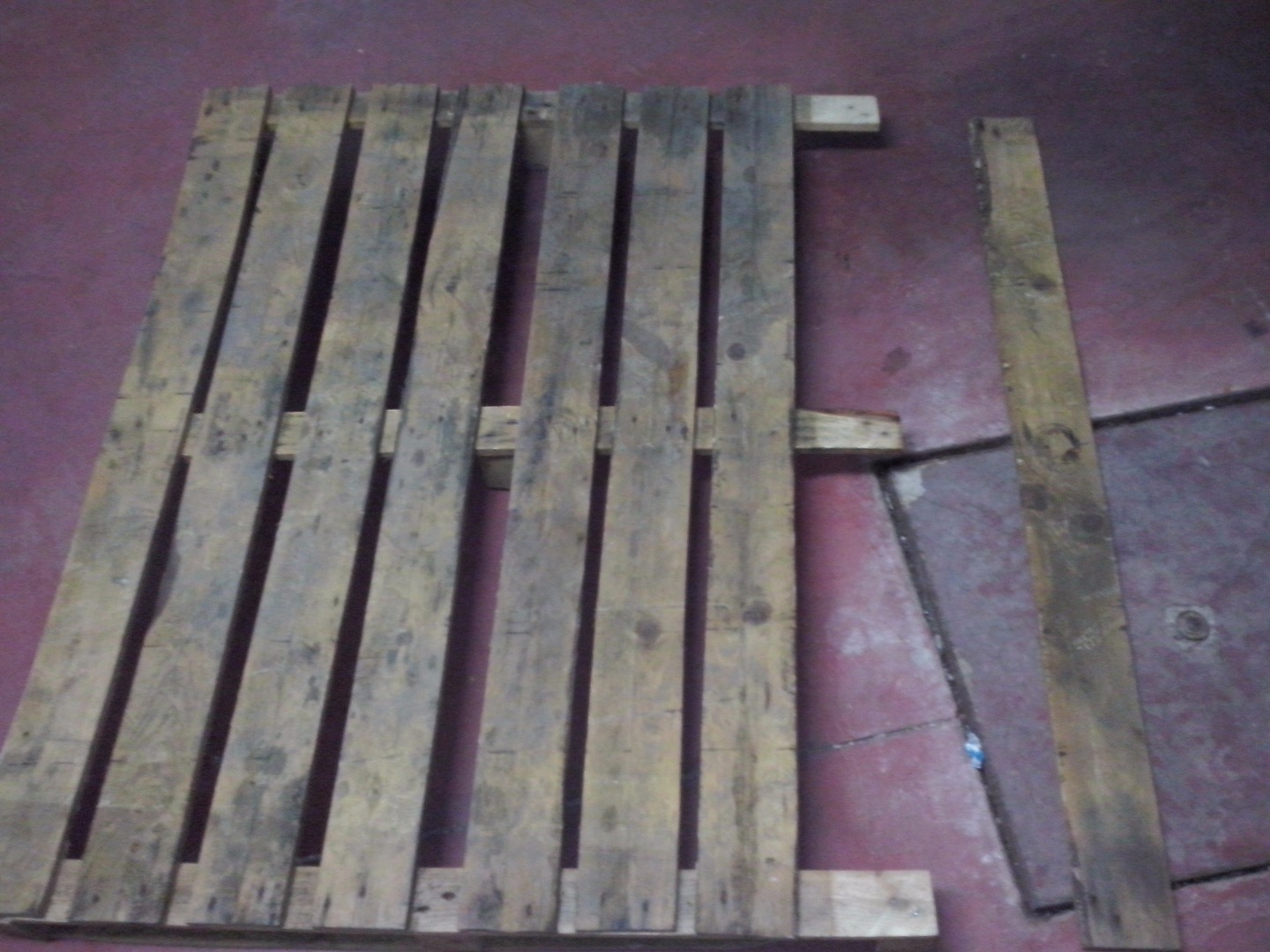 Picture of How to Disassemble Pallet Easy, Quick and Safe