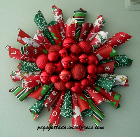 Picture of Wrapping Paper Christmas Wreath