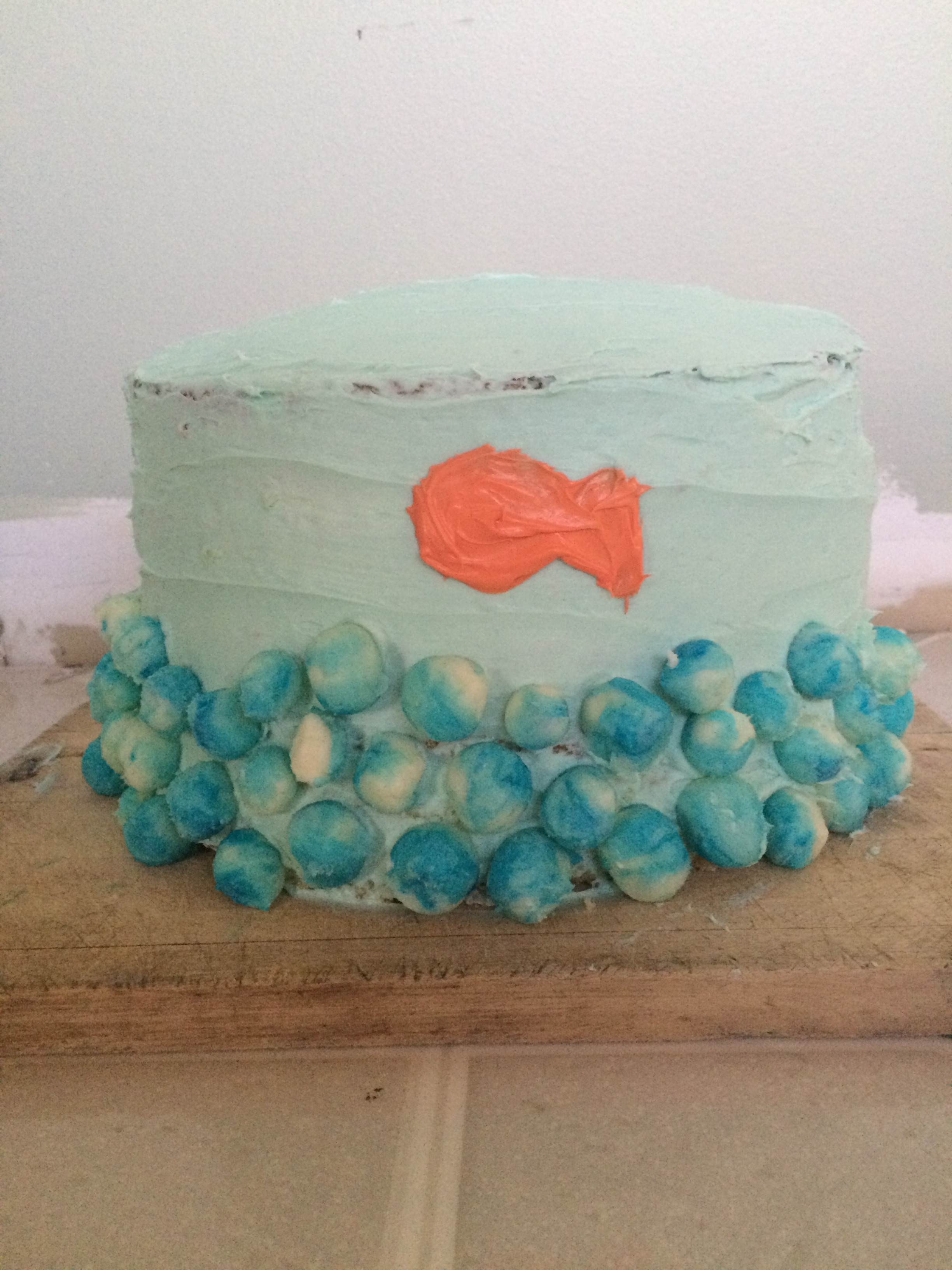Picture of Fish Bowl Cake Decorating