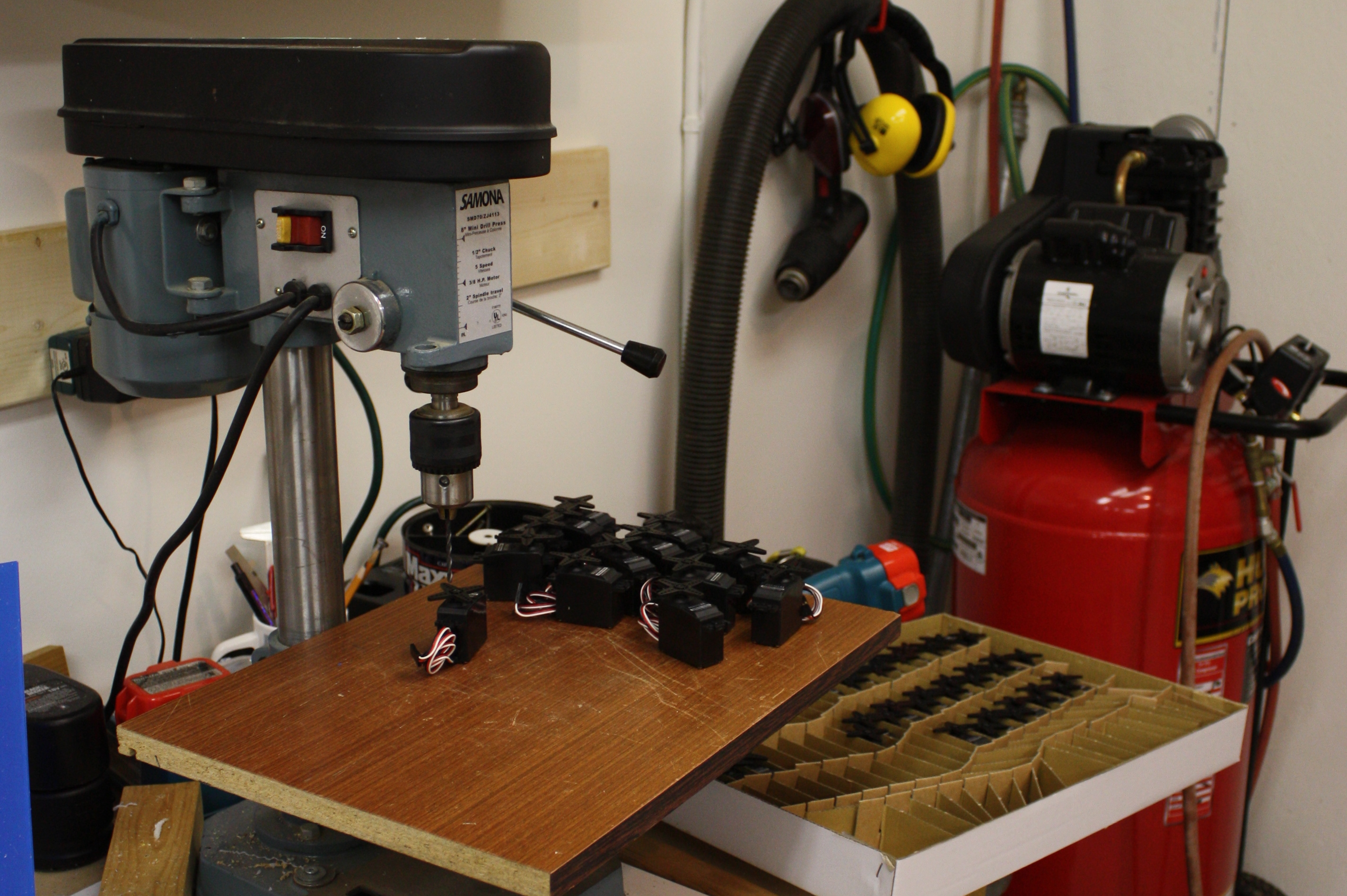 Picture of Servos and O-rings