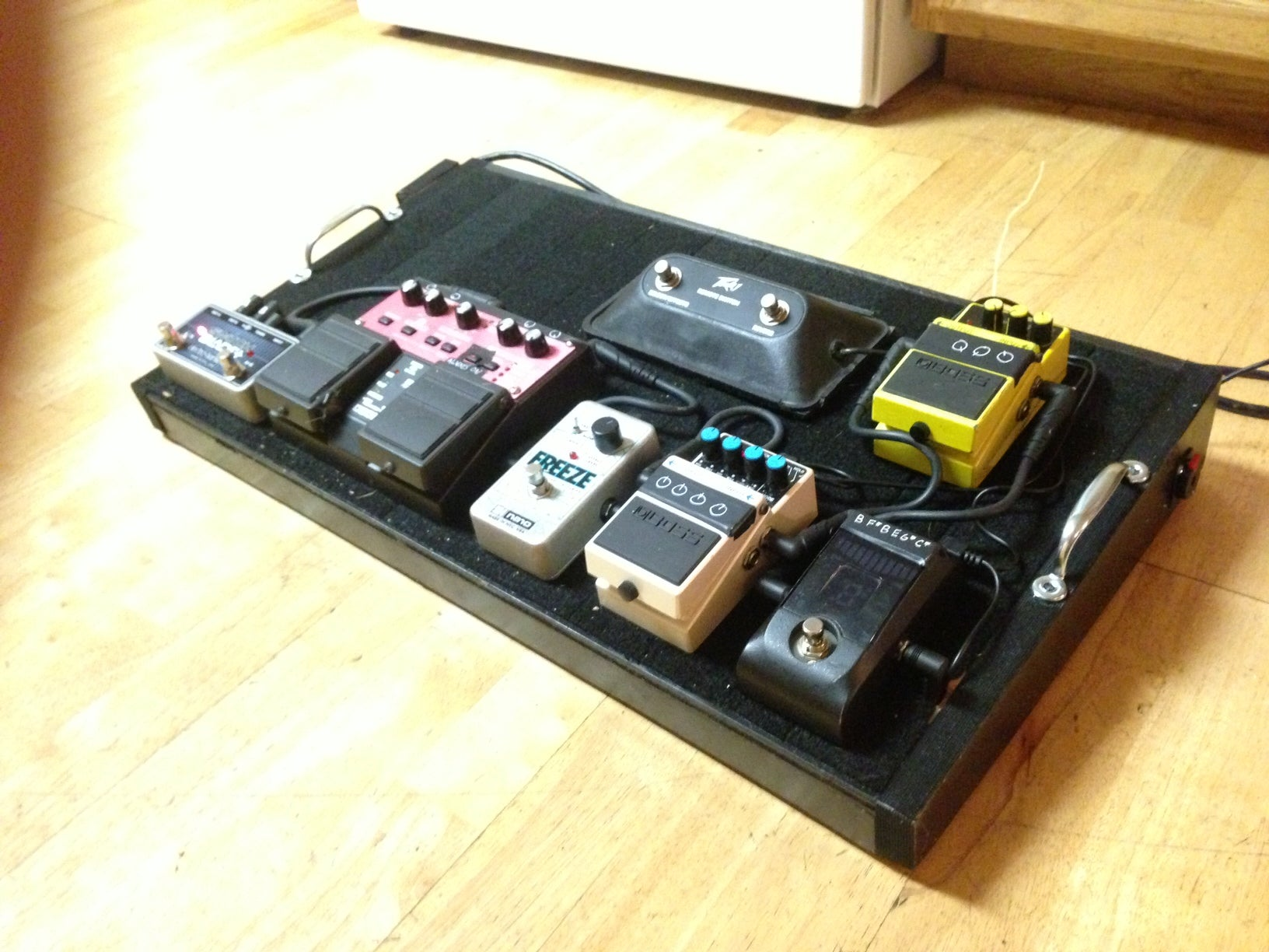 diy powered pedal board with input jacks 8 steps with pictures. Black Bedroom Furniture Sets. Home Design Ideas