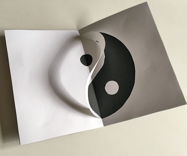 Picture of A Wobbly Yin Yang Rainbow