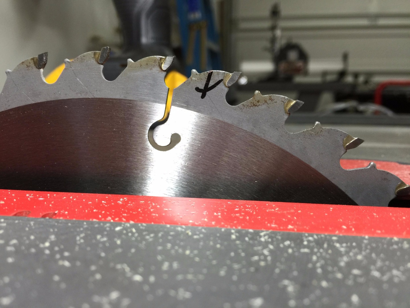 Picture of Measure the Blade to Table Alignment