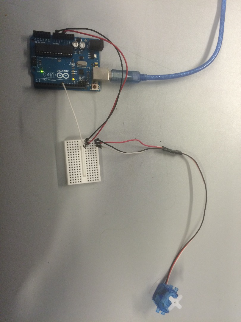 Picture of Arduino and Servo Setup