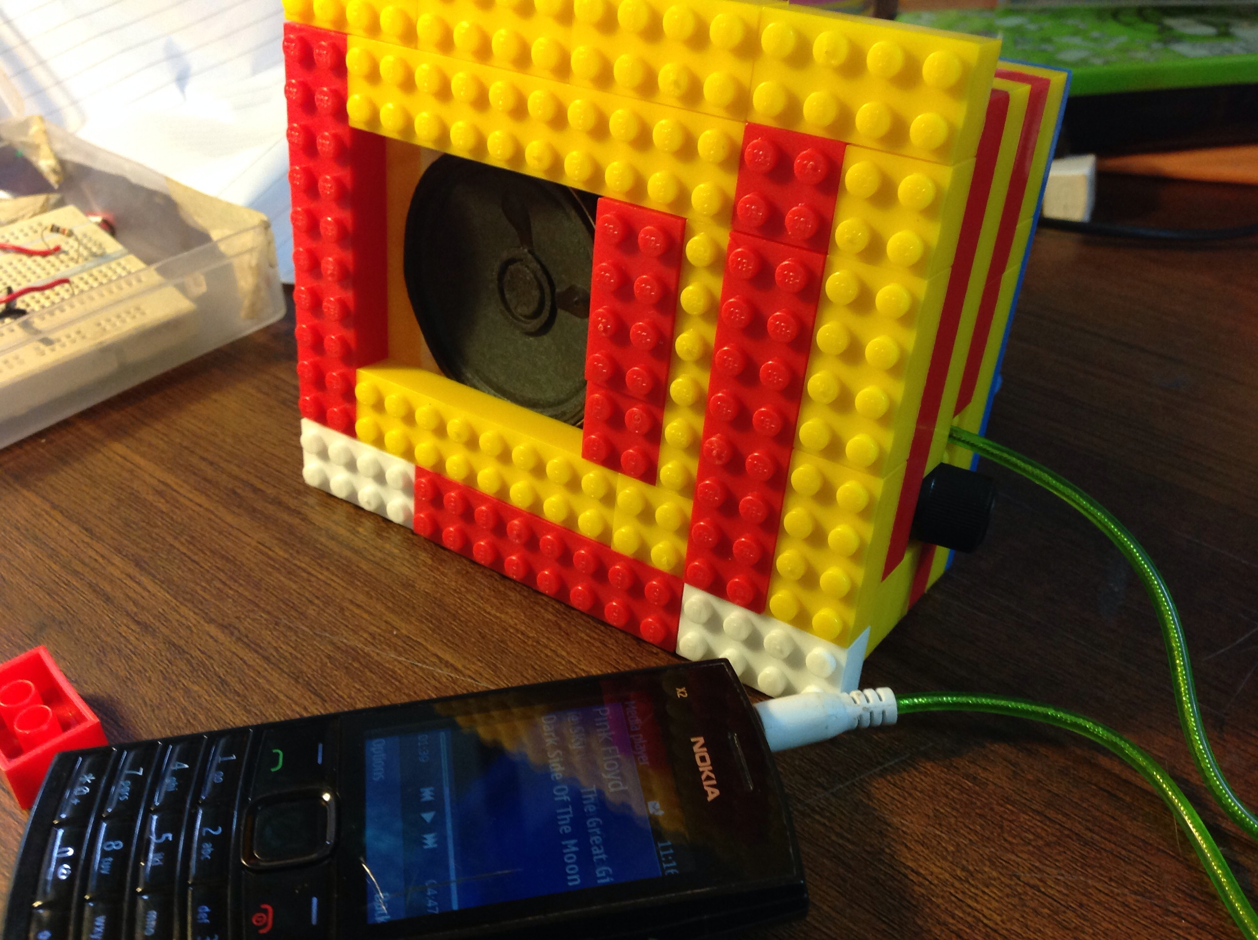 Picture of Build a Simple Speaker System With LEGO!