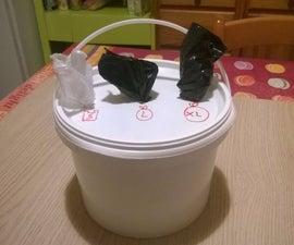 Trash bags dispenser