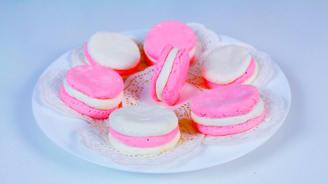 Picture of Diy Macarons From Marshmallows | Making Edible Play Dough