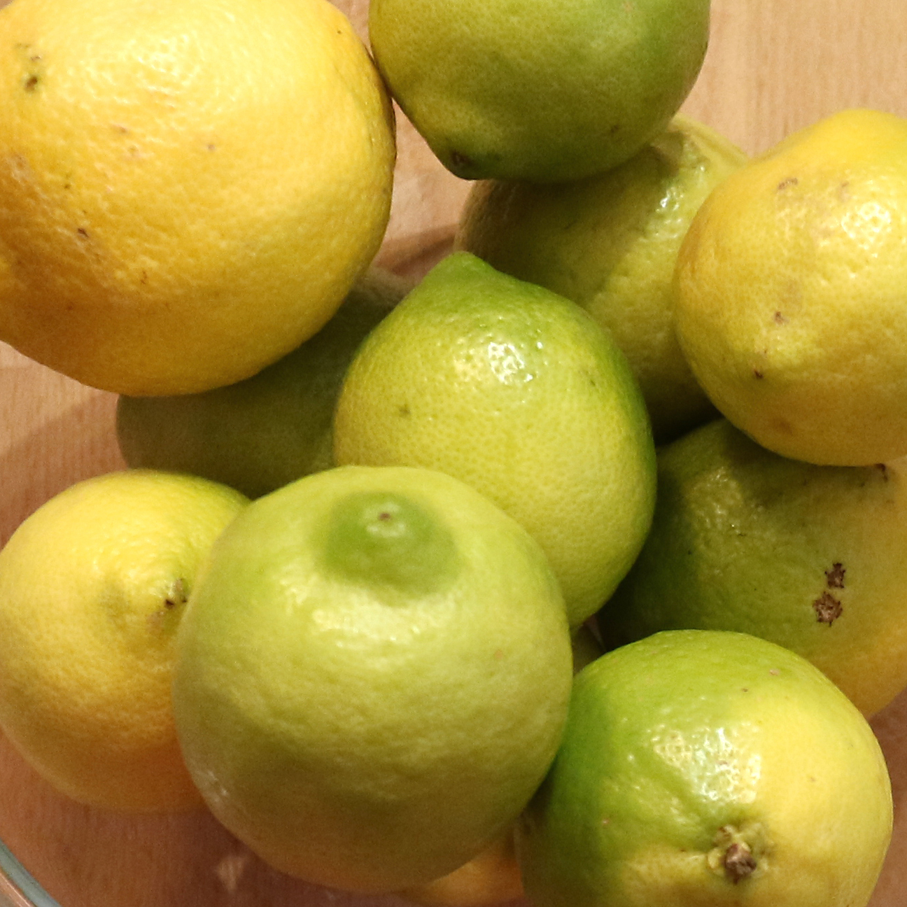 Picture of Lemon Essential Oil Cold Extraction