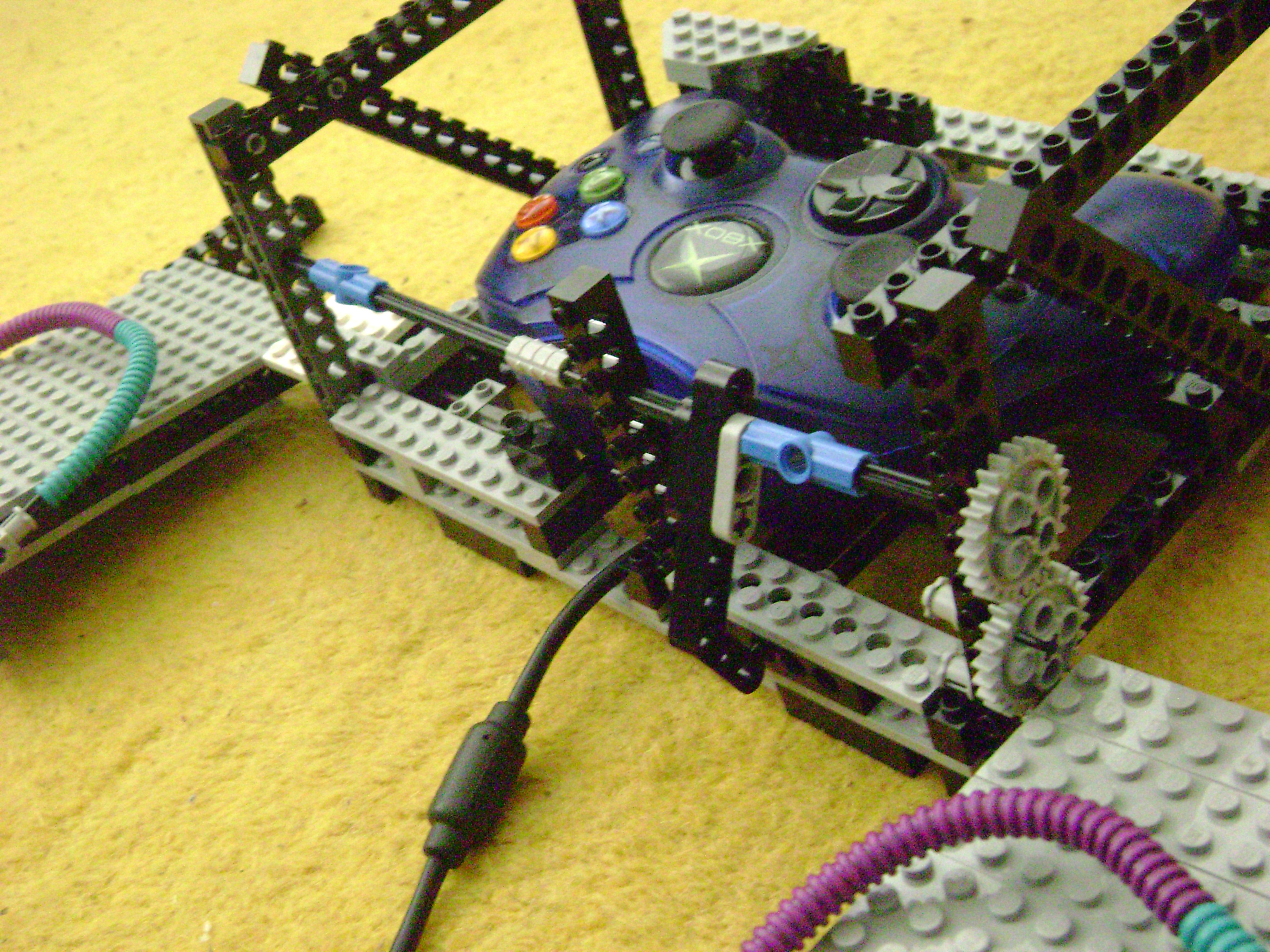 Picture of Fairly Easy Lego Mindstorms Steering Wheel for Xbox and Playstation