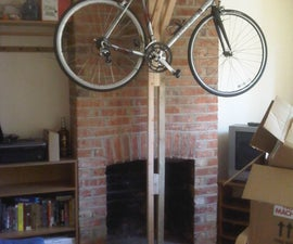 Small footprint vertical bicycle stand