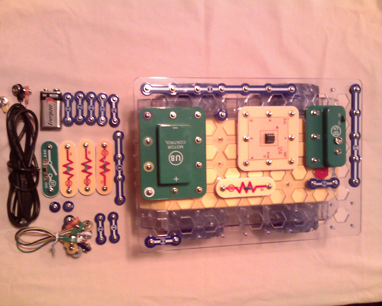 Picture of Build the Robot Circuit