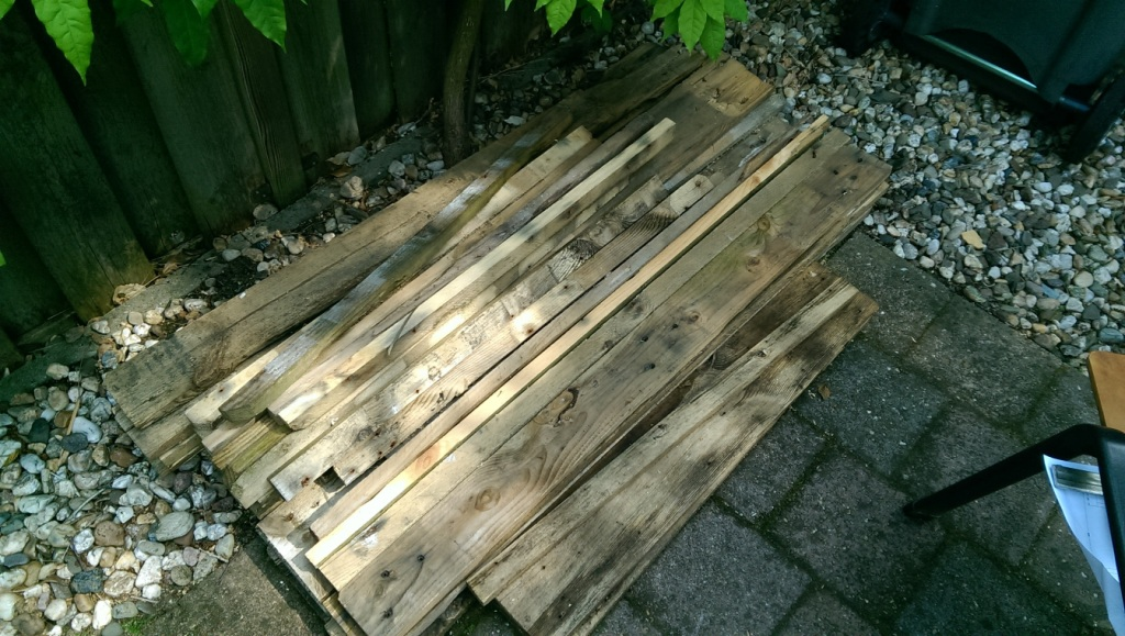 Picture of Reclaimed Pallet Wood Table