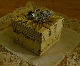 ★ VINTAGE LITTLE BOX ★