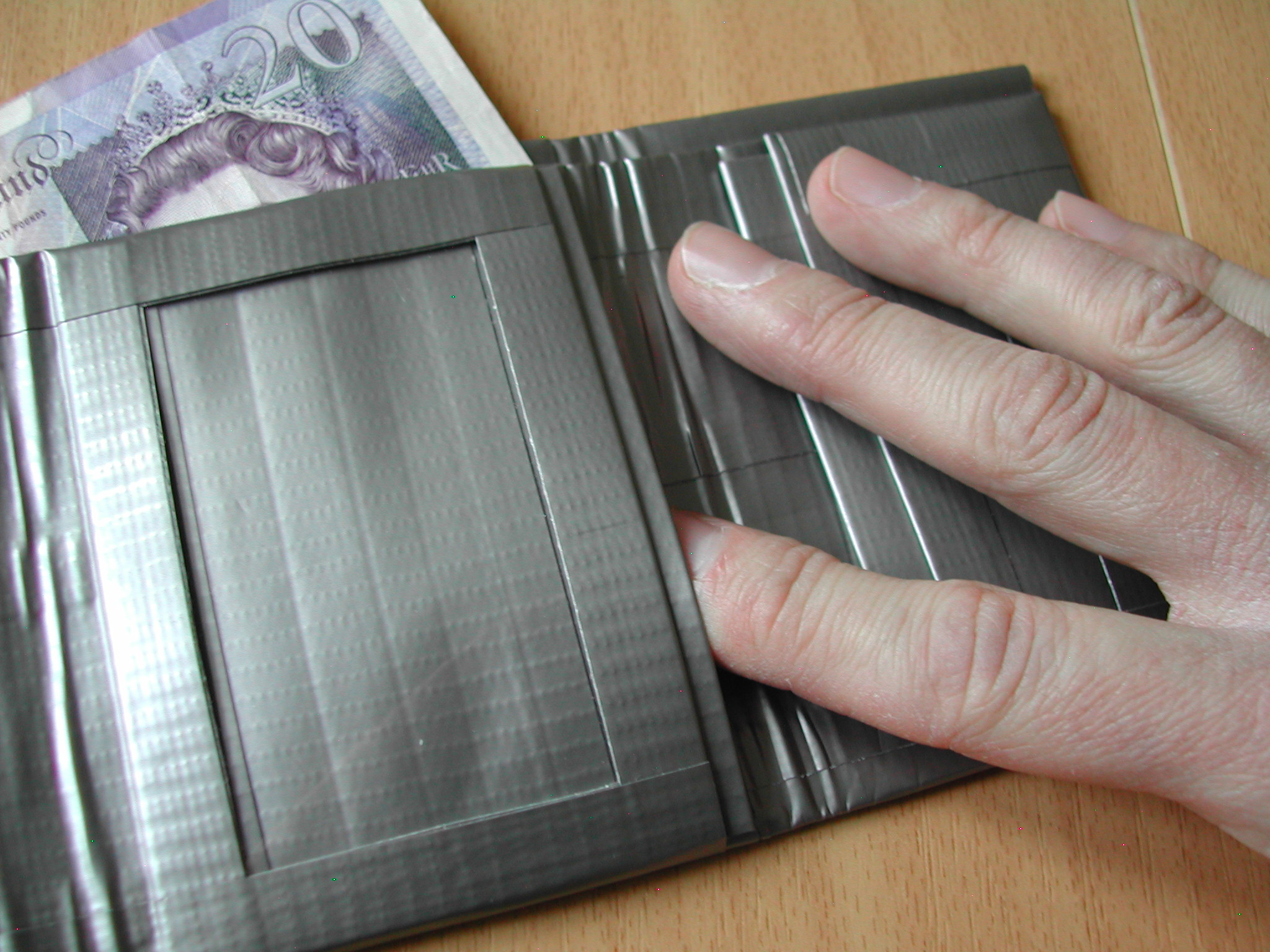 Picture of Tri-Fold Duct Tape Wallet (Notes, Cards, ID, Coins)