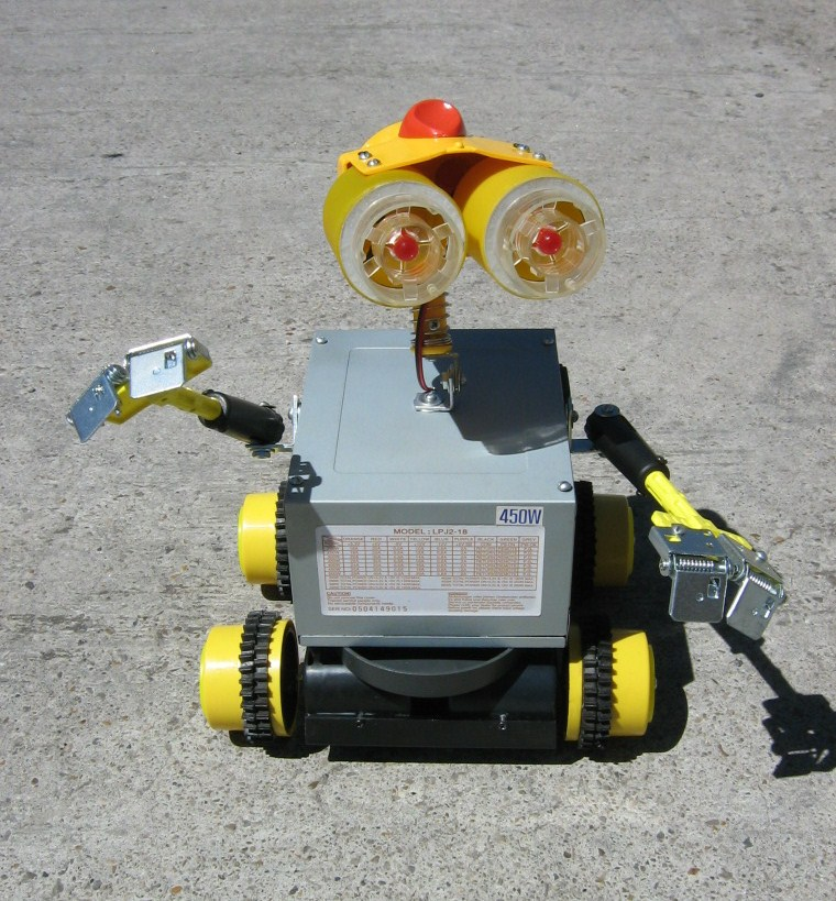 "Picture of Bootleg Wall-E (AKA ""Guali"")"