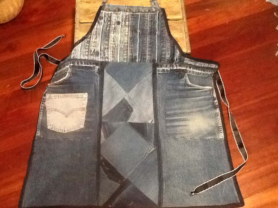 Picture of Apron From Recycled Denim Pants