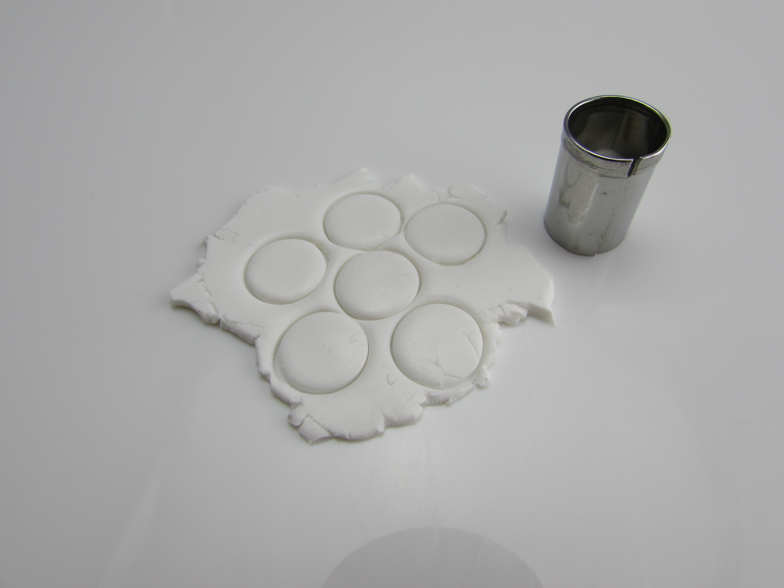 Picture of Sculpting Macaron Charms