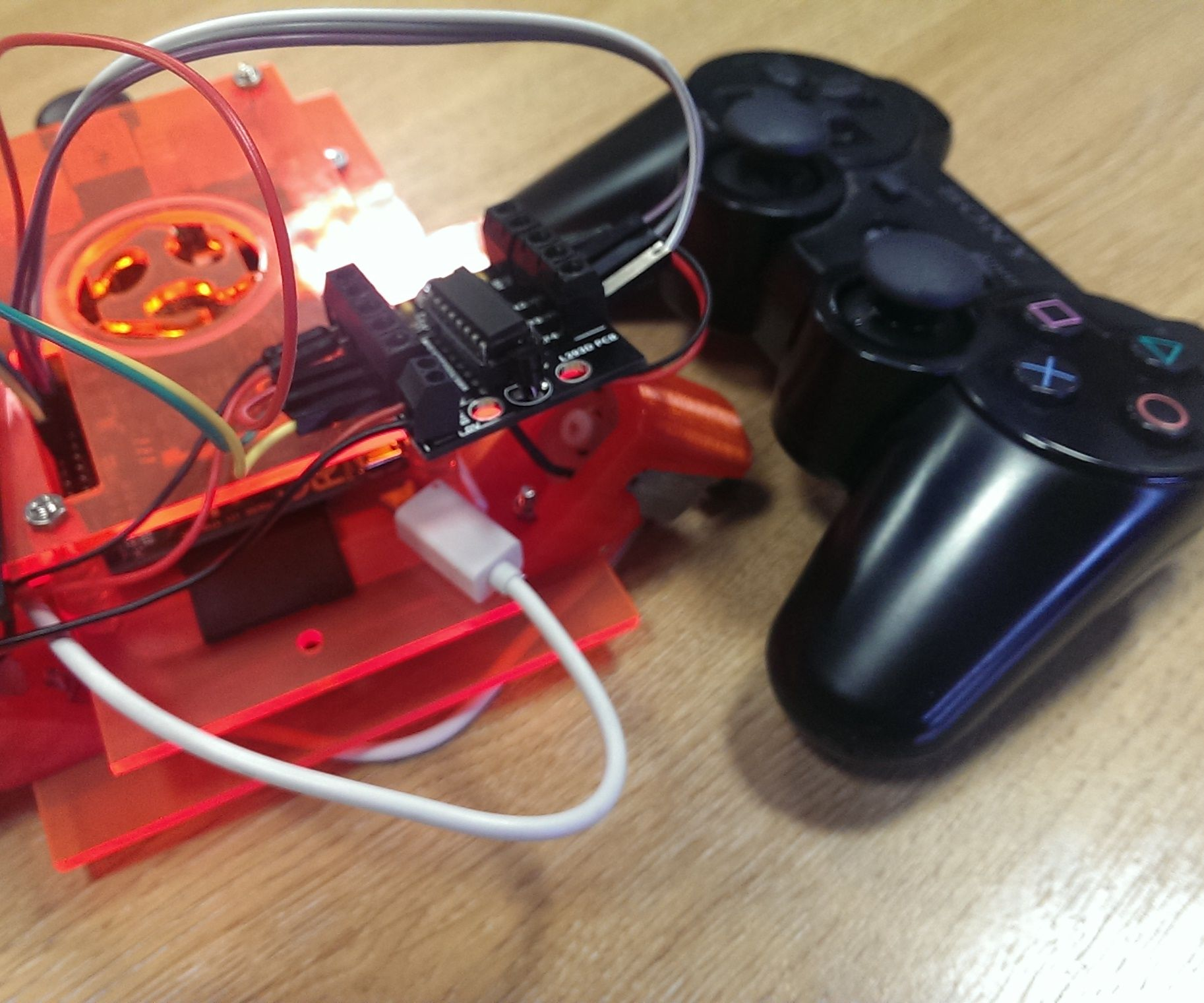 Remote Raspberry Pi Robot (PS3 Controller) - Fablab
