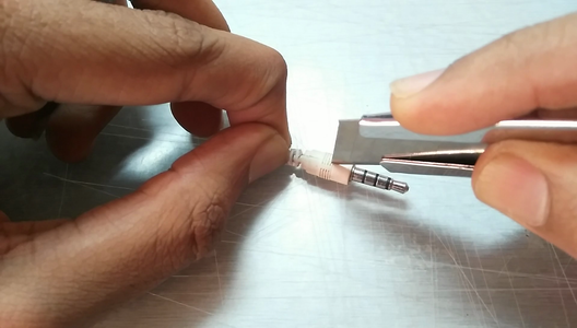 How to Fix Broken Headphone Jack ! : 8 Steps (with ...