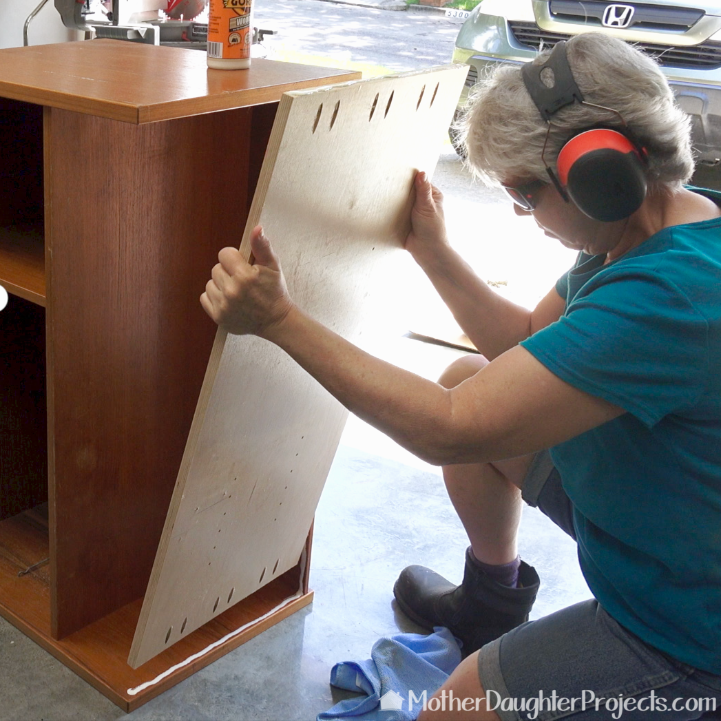 Picture of Remove the Cabinet Legs
