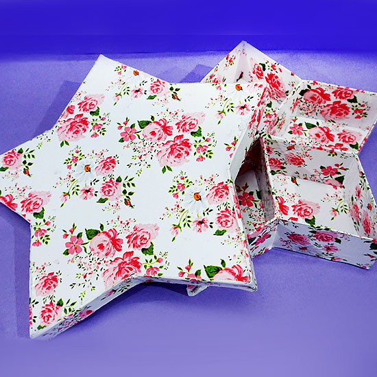 Picture of Here Is Your Star-shaped Jewellery Box!